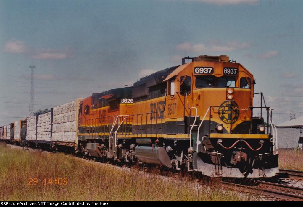 BNSF 6937 East