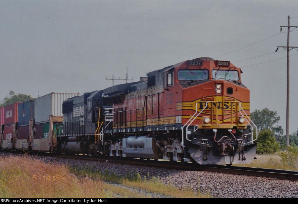 BNSF 5237 West