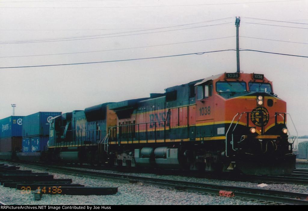BNSF 1038 East