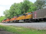 Mix of EMD & GE power heads west