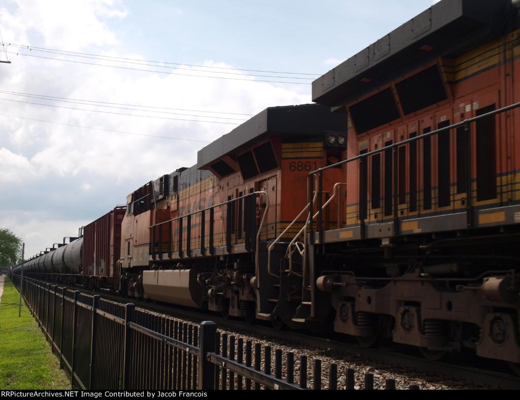 BNSF 6861