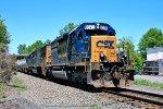 CSX 8376 on Q-417