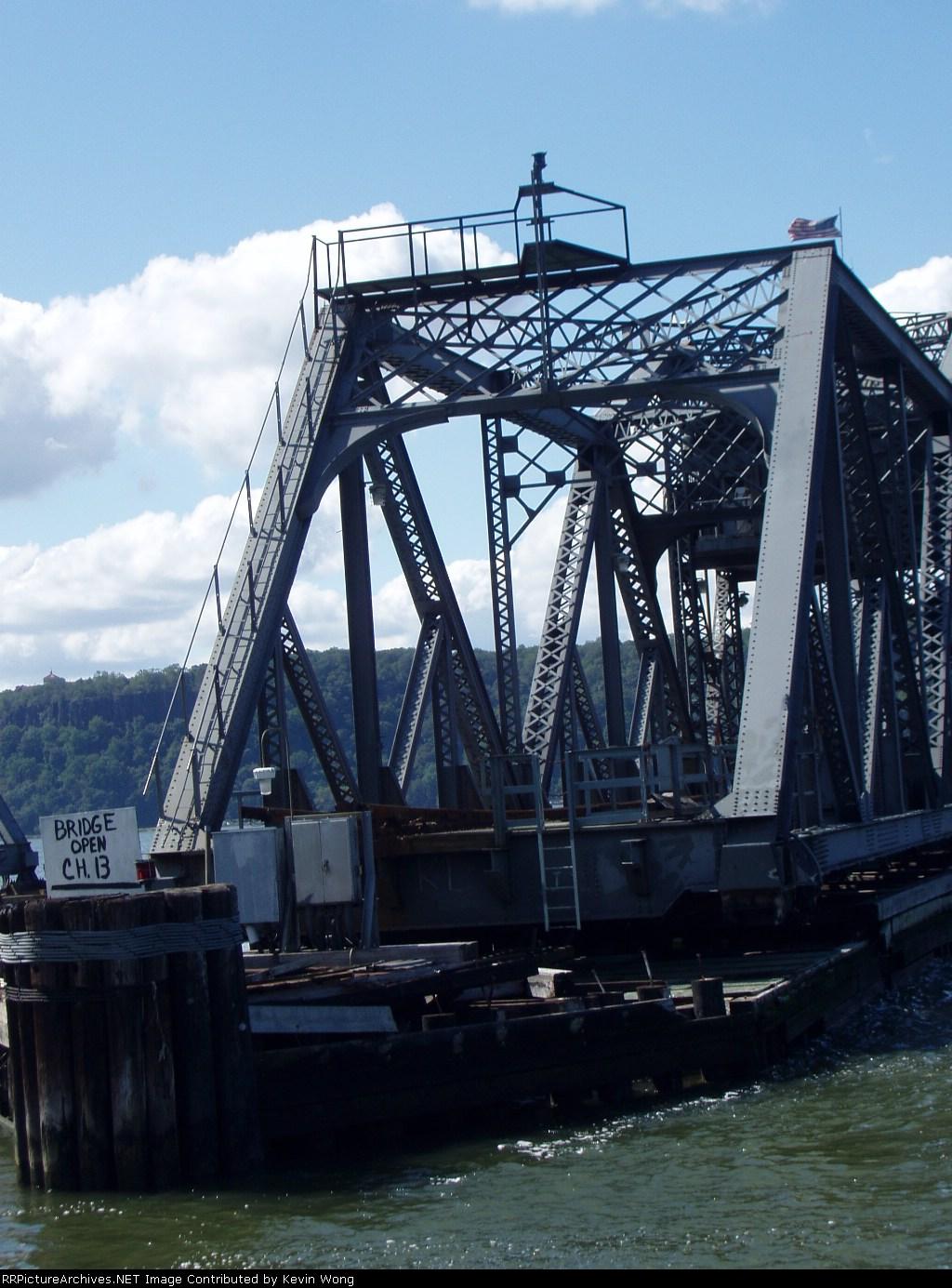 center swing span of Amtrak Spuyten Duyvil bridge