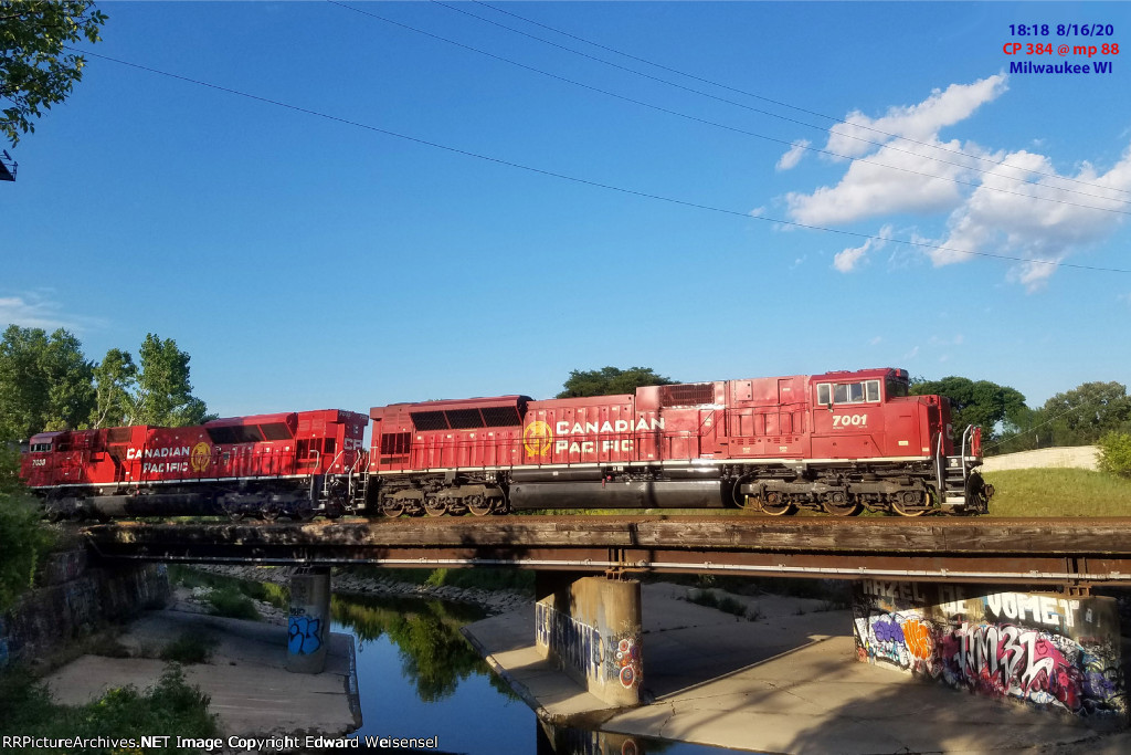 CP 384 is nearly to Muskego yard