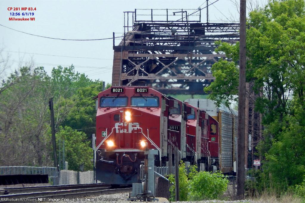 281 creeps across the KK bridge to swap crews with CP 280