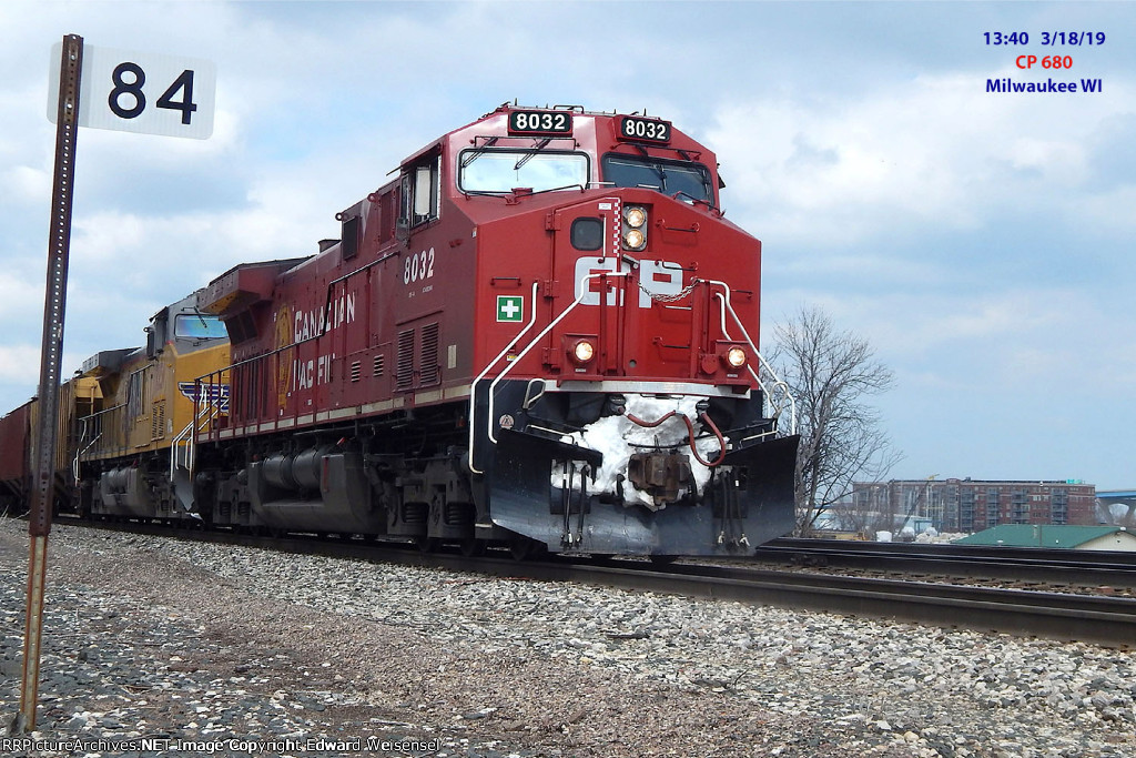 CP 680 obliviated a snowbank on its way east from St. Paul