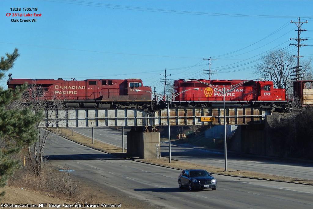 281 rolls across Rawson Av. headed for a crew swap with 650 in Muskego yard