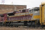 Nose of the retro colors on the SD70ACU