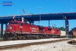 287 pulls into the east end of Muskego yard