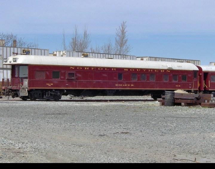 NS Office Car 36