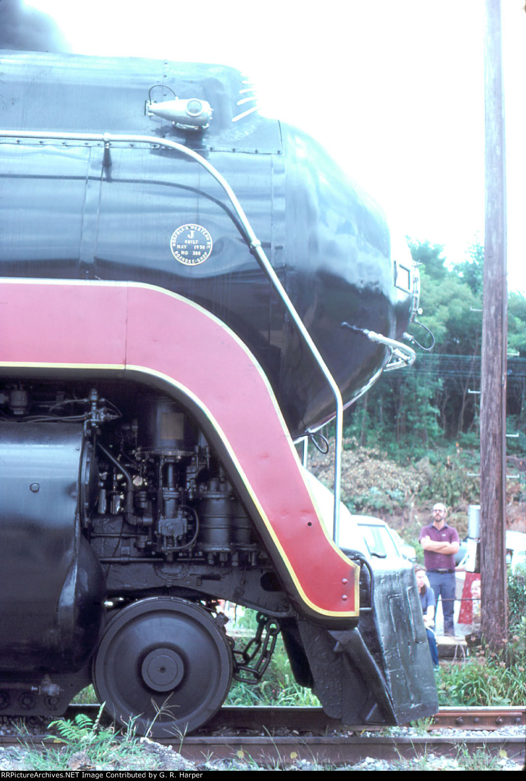 Profile shot of 611's nose