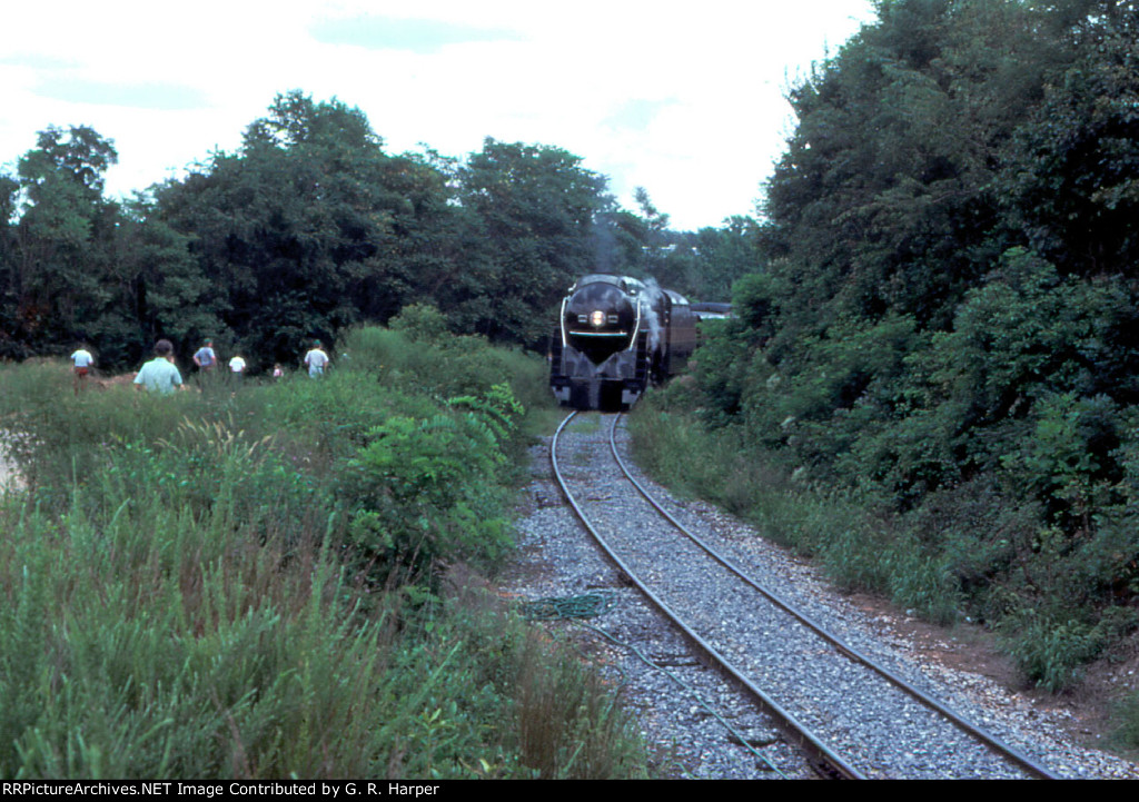 My first glimpse of the 1982 N&W 611 coming into view on the west leg of the wye