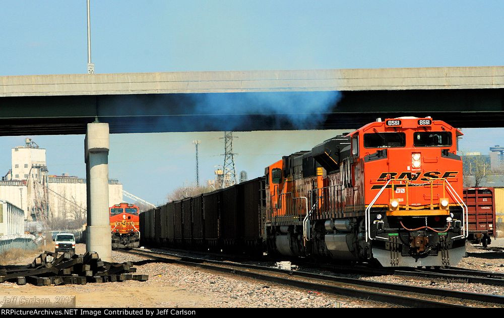 BNSF 8561