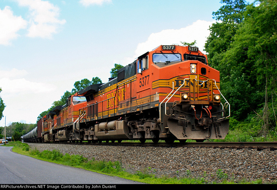 BNSF 5377 on K-044