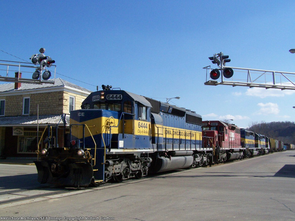 ICE 6444 Crosses the Only Crossing With a Signal in Town