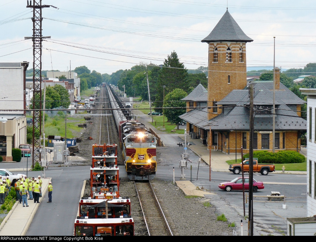 The Lackawanna Heritage Unit passing Lebanon's old Reading Station