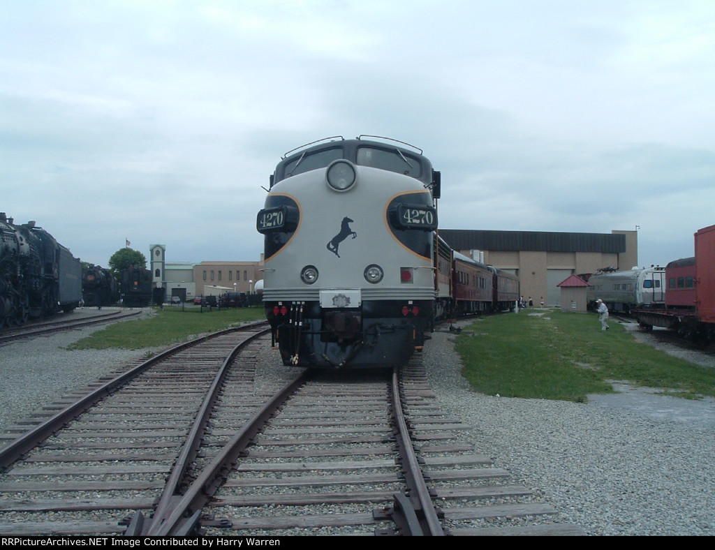Norfolk Southern EMD F9As 4270 & 4271