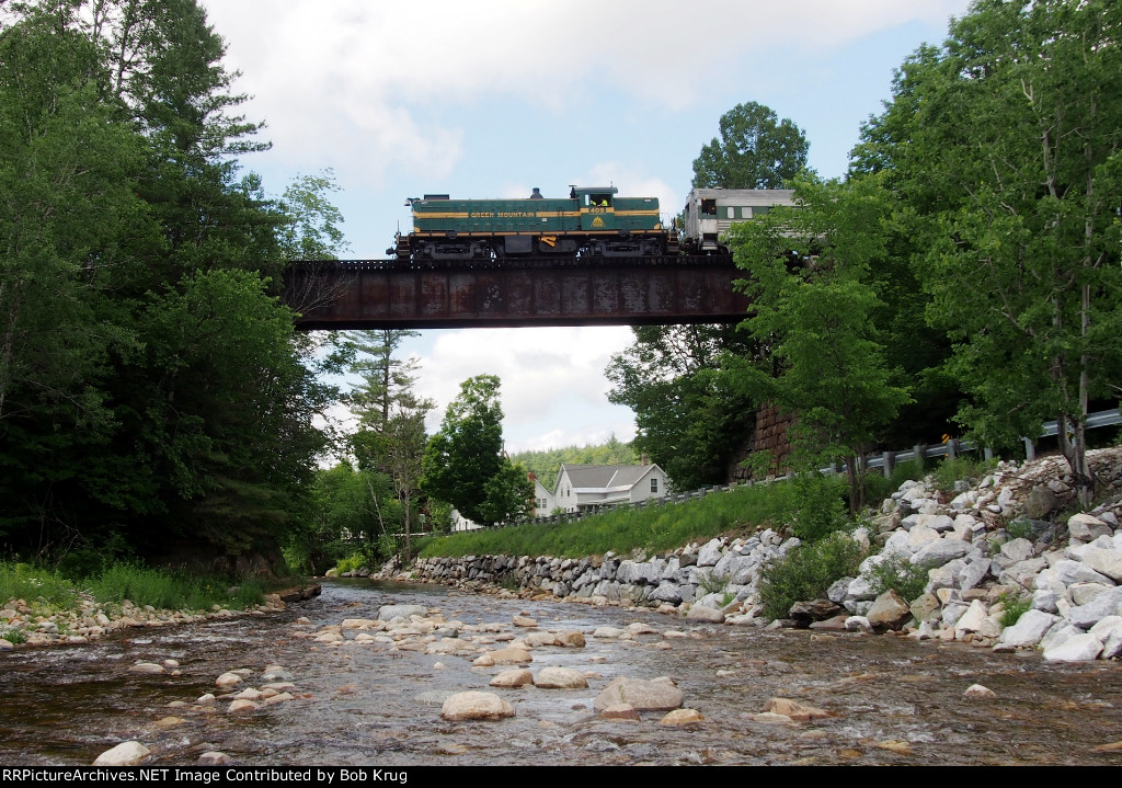 GMRC 405 crosses the Mill River