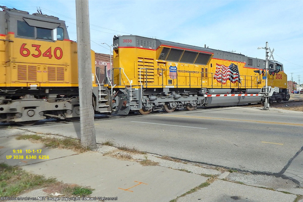 Sd70ACe-T4 has the familiar ACe tail