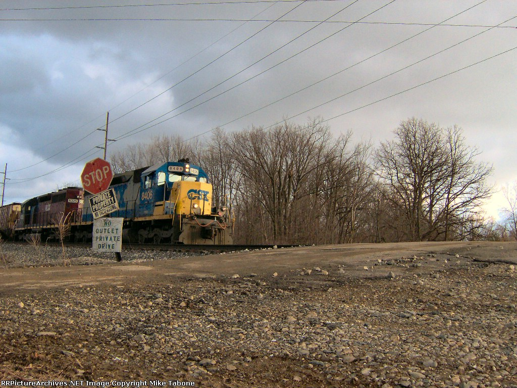 CSX 8406 and HLCX 6325 with 4000 feet of emties