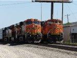 BNSF ES44DC 7513 & BNSF SD70ACe 9140