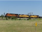 BNSF ES44C4 6880, UP SD70M 4485 & UP AC4400CW 6163