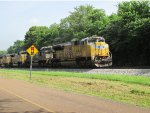 Amazing elephant style four-pack of EMD SD70 units on NS 16Z