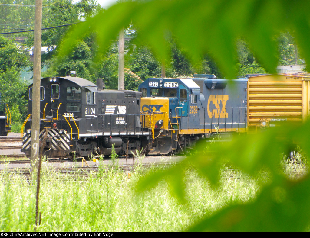 NS 2104 and CSX 2282 road slug