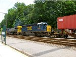 CSX 8160 and 689