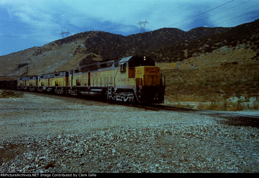 UP 77 leads 3 unit set of DD-35s westbound at Cajon