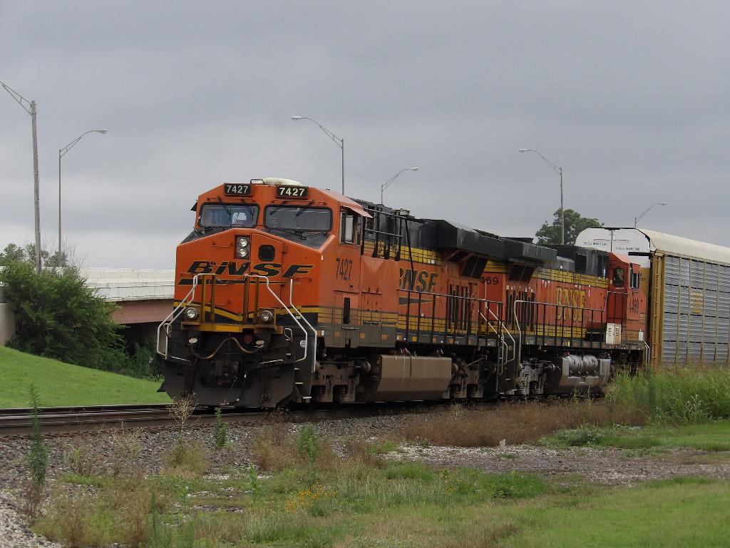 BNSF ES44DC 7427