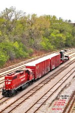 CP 4510 rolling down the Airline yard with P&H mine shovel component