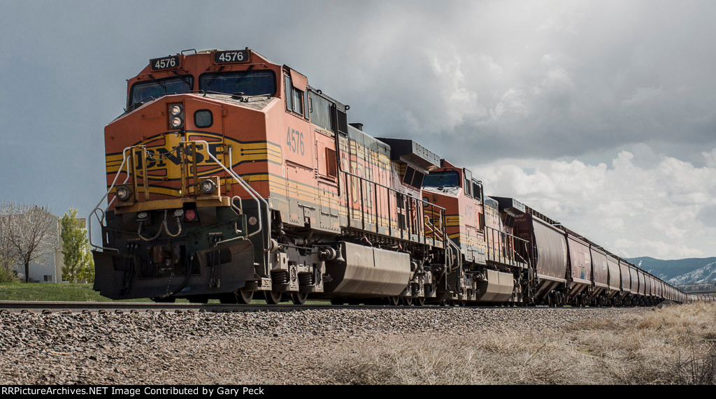 BNSF Unit Train, Mineral Station