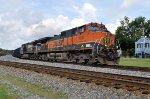 BNSF 1037 on NS 125