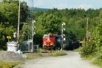 CP 9356, CEFX 1019 splits the southbound signals
