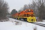 Four orange SD40's lead Marquette's Z151 south