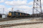 CSX 2492 rolls up the coach lead with Q335-29