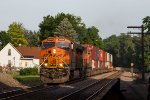 BNSF8149 and BNSF4607 passing Peck Park in the early morning