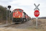 CN 8910 races east at 144.9 leading M396