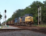 CSX #1 leads a nice lash-up in Crawford,Fl.