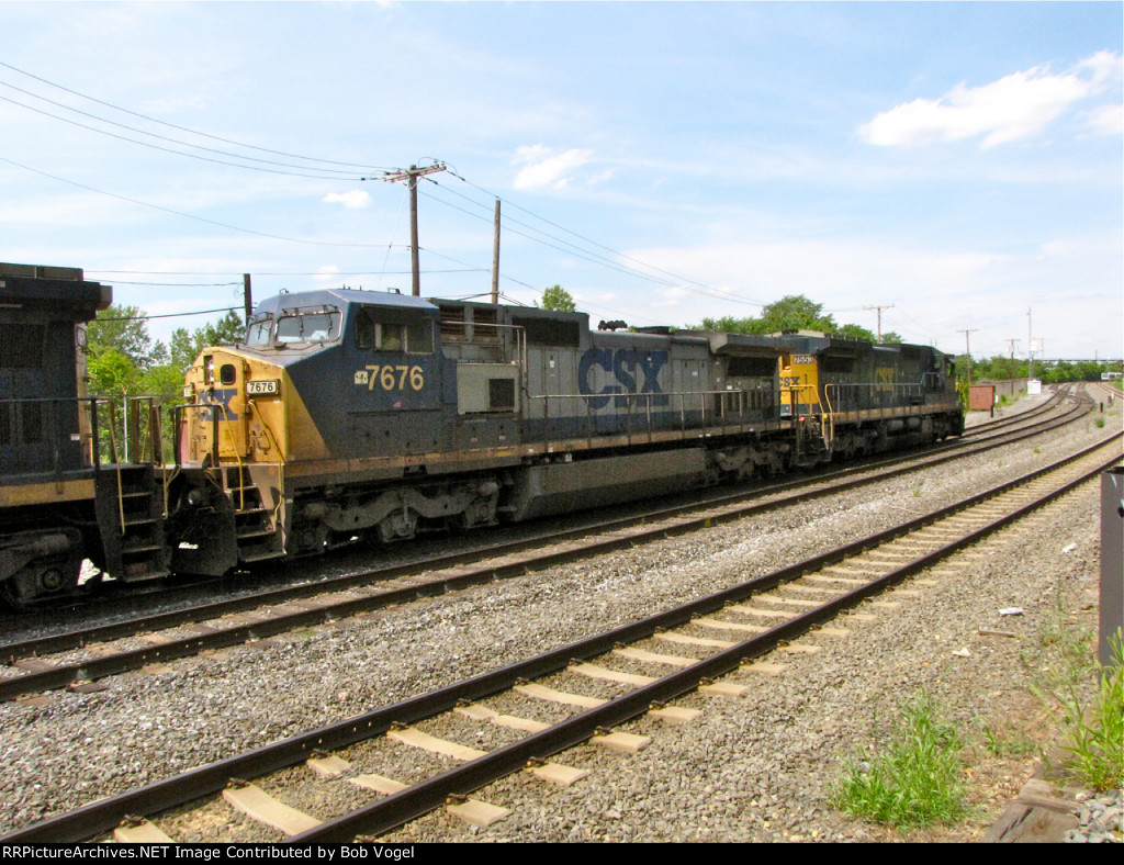 CSX 7676 and 7553