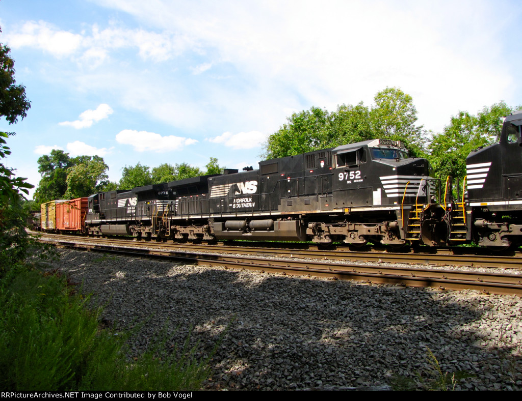 NS 9752 and 8776