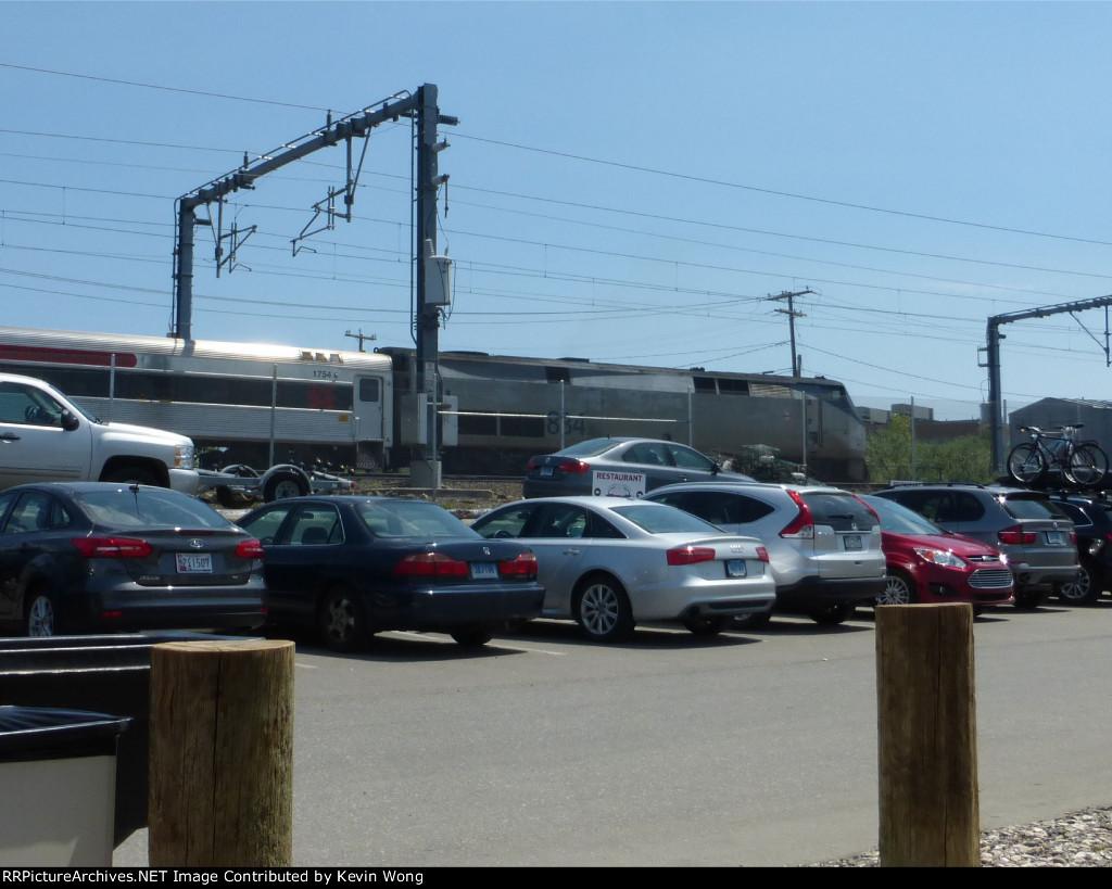 SLE/ConnDOT P40DC 834 pushing train 3618