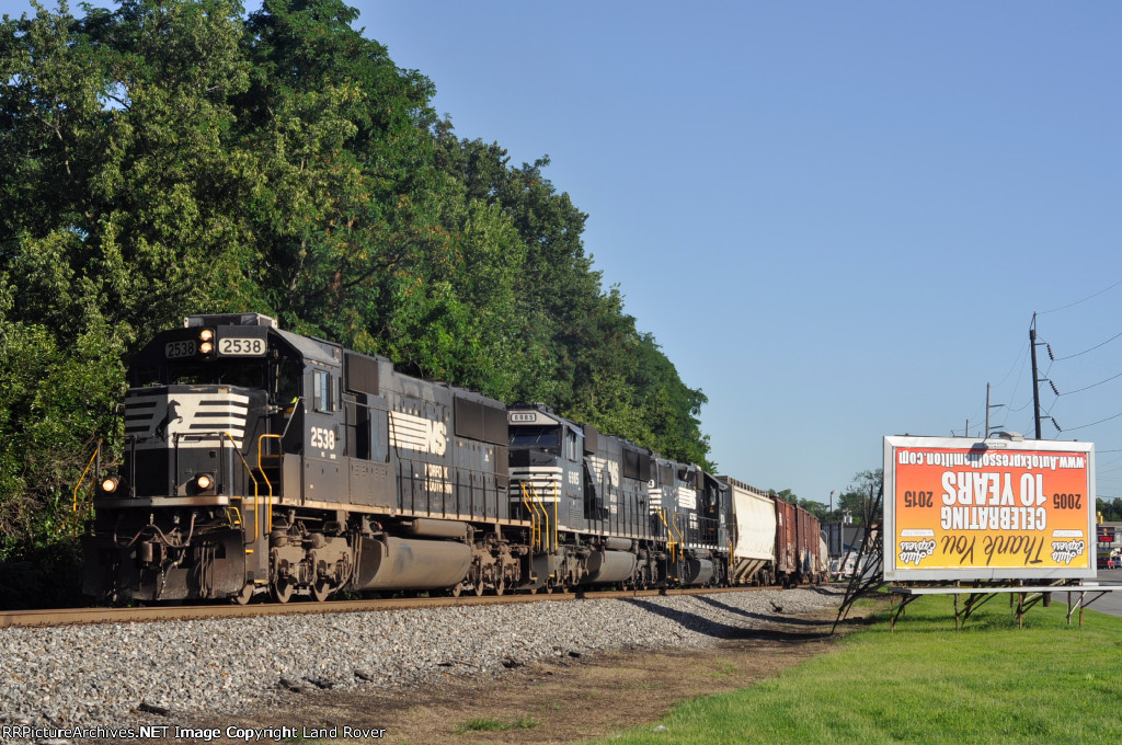 NS 2538 On NS 143 Eastbound