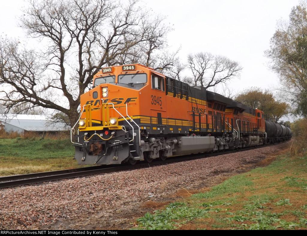 BNSF 3945