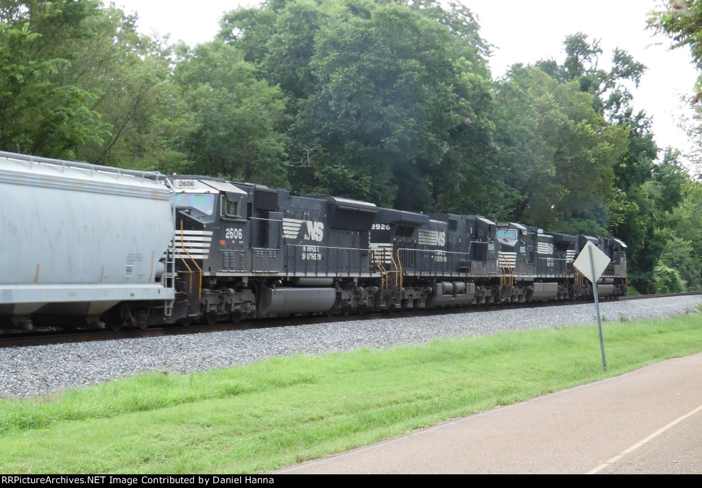 NS 2767, 9502, 8926, and 2606 head east