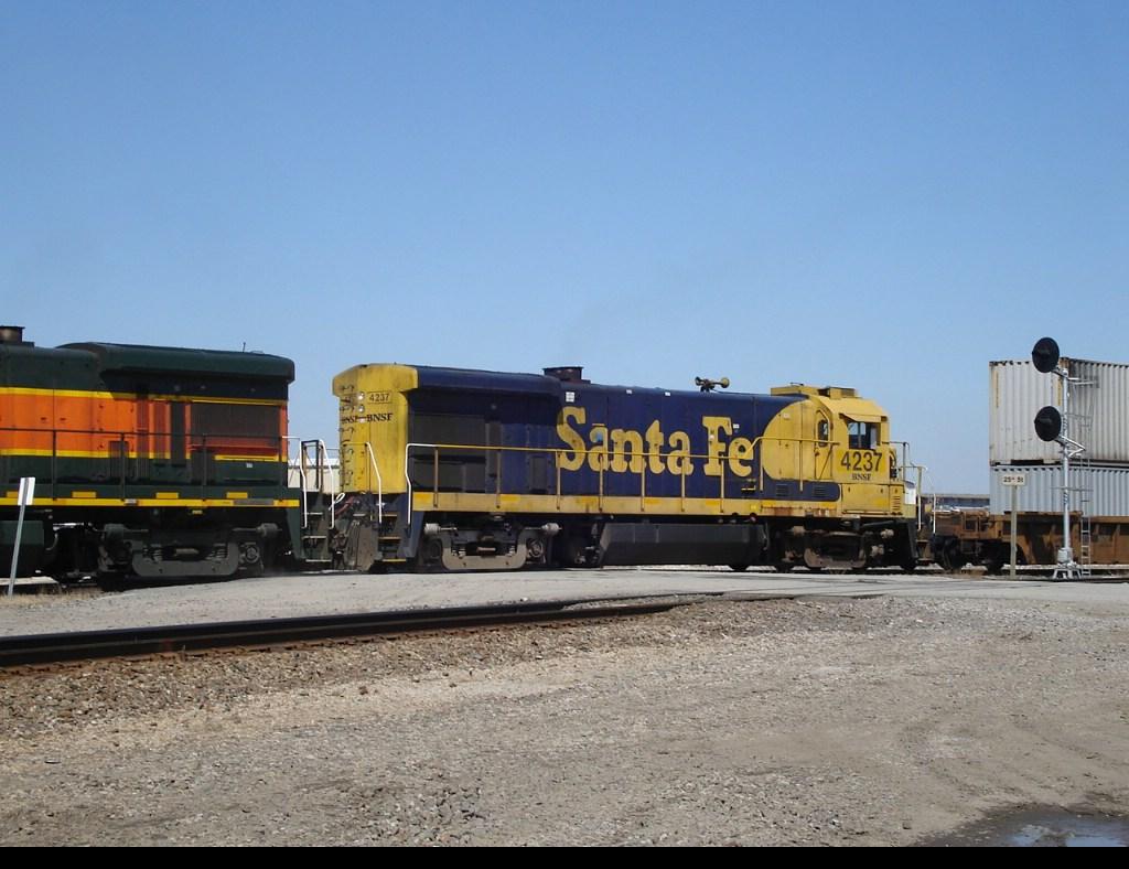 BNSF 4237