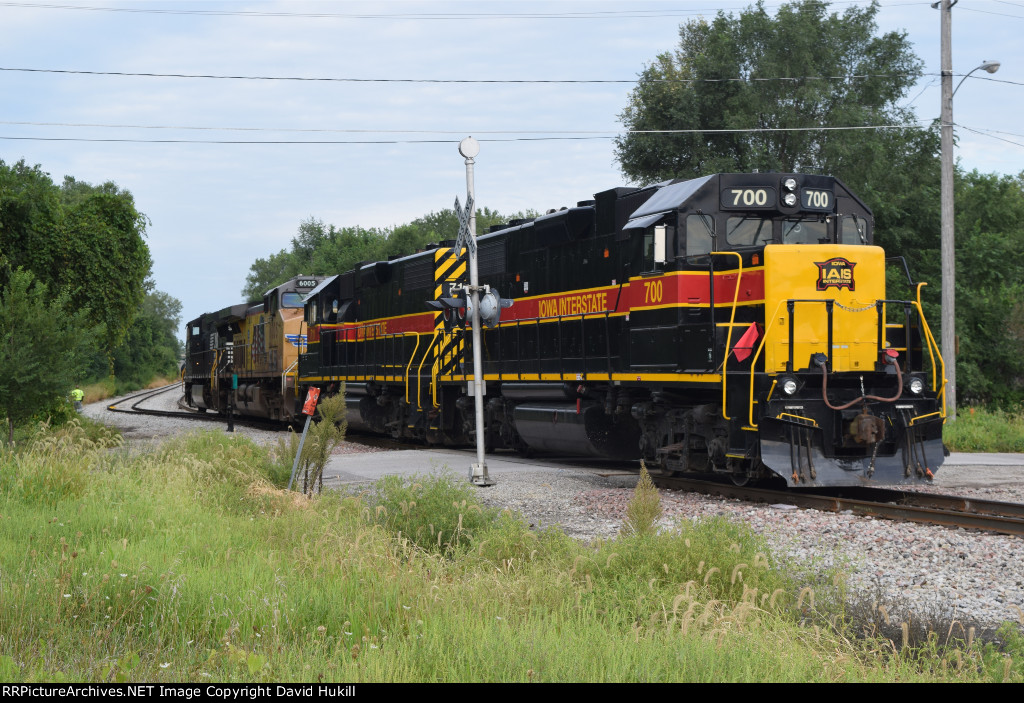 IAIS Engines 700 711, UP Engine 6005 and NS 9846, Des Moines IA