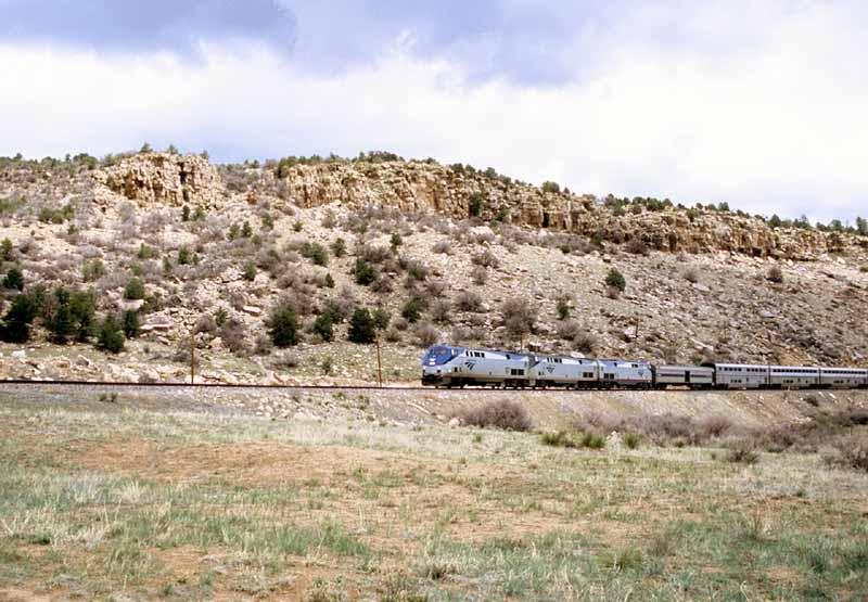 Amtrak Through Shoemaker Canyon
