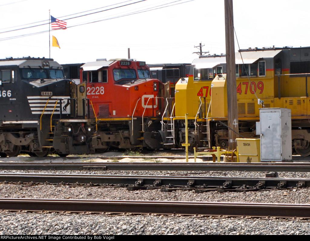 NS 8466, CN 2228, UP 4709